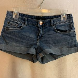 NEW! H&M jean shorts
